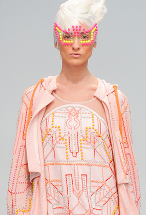 Paris+ss2014+Manish+Arora+Capa-1