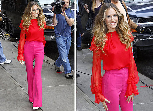 Pictures-Sarah-Jessica-Parker-Pink-Red-Prabal-Garung-Outfit-I-Dont-Know-How-She-Does-Premiere-Steal-her-style