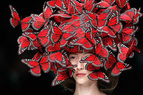 butterfly-hat-mcqueen-aw08